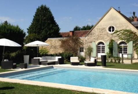 La piscine-Le-Clos-des-Aubrys-chambres-hôtes-Indre-Berry-Châteauroux