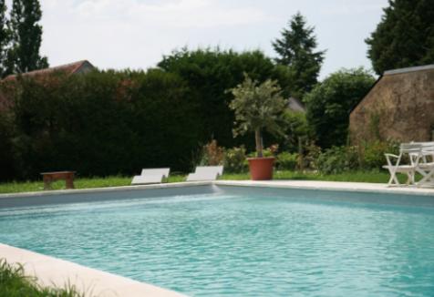 Le-Clos-des-Aubrys-chambres-hotesPiscine-Indre-Berry-Châteauroux